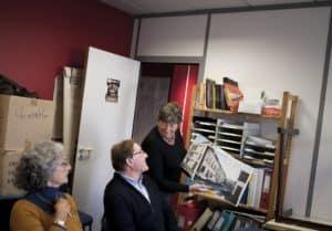 10 octobre 2012: Marie José Verhaeghe, Marc Nys et Monique Ghesquière (de g. à d.) lors d'un réunion marketing de bénévoles dans les locaux d'Habitat et Humanisme Lille (59), France.