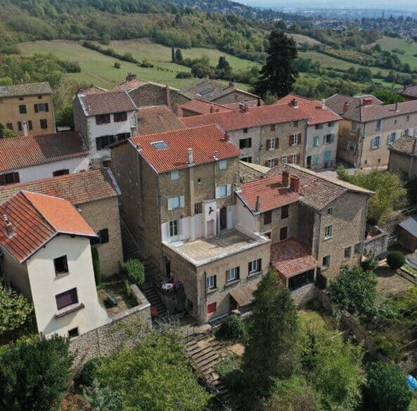 Maison Monts Dor 593x619